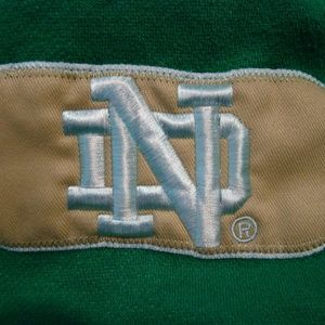 e five Shirts - Mens L Embroidered Notre Dame Hoodie Pullover